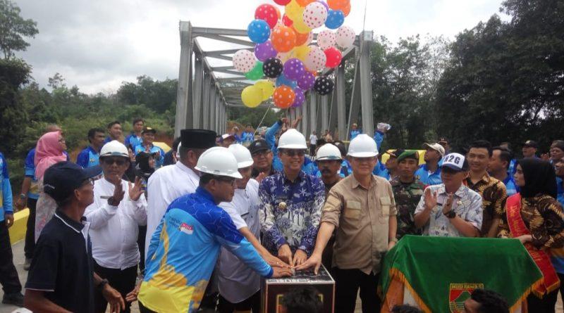 Bupati Resmikan Jembatan Sungai Megang, Warga Ucapkan Terimakasih