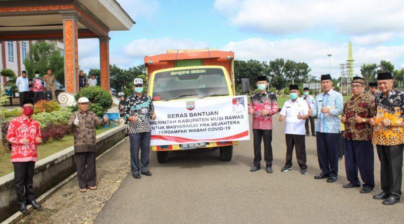 Pemkab Musi Rawas Distribusi 10 Ton Beras di Wilayah TPK